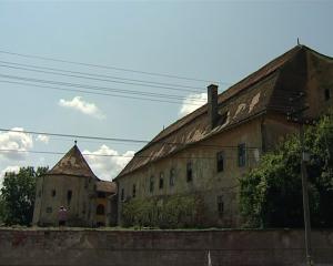 Castelul Apafi din Dumbrăveni (sec. XVI)