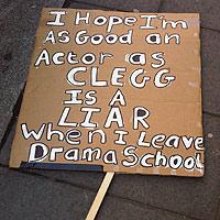 Tinerii îl consideră pe Nick Clegg un mare mincinos