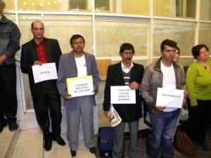 Romii din Pata Rât protestând la şedinţ Consiliului Municipal Cluj-Napoca