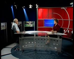 Andrei Fischof in platoul TVR Cluj, alături de Elena Mîndru, prezentatoarea emisiunii Transilvania Policromă