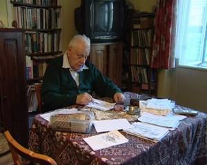 Mihai Eisikovits depănând amintiri în cuvinte şi desene