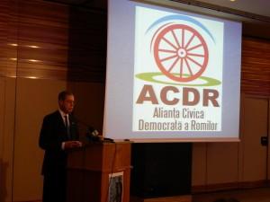 Mark Gittenstein, ambasadorul SUA, vorbind la celebrarea Dezrobirii Romilor