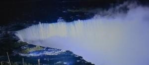 Cascada Niagara noaptea