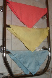 Tricolorul curărţeniei: Ele