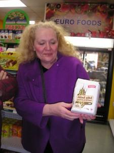 Doamna Lilly ne sugereaza ca faina din Romania e cea mai la potrivita la pregatirea cozonacilor