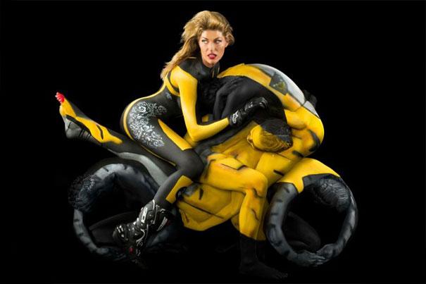 trina-merry -motocicleta de curse