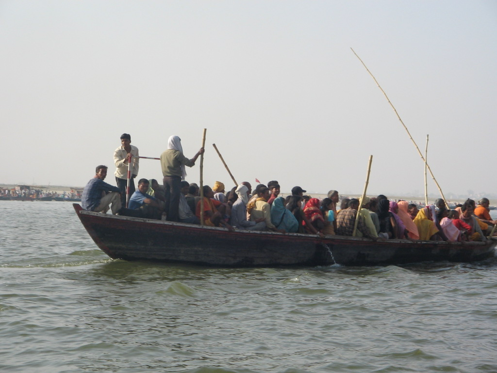 cu barca pe Gange 13