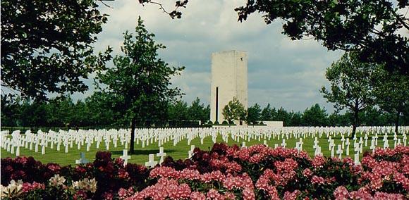 Cimitirul american din Les Pays Bas... 8.301 soldati americani cazuti