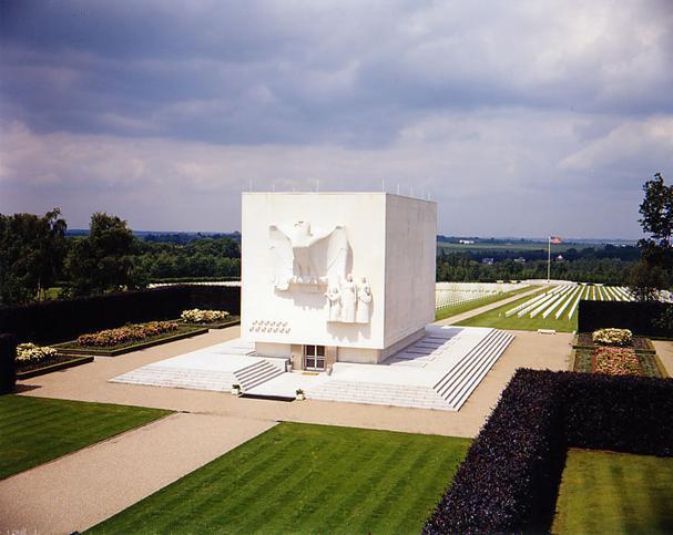 Cimitirul american din Ardennes, Belgia...5329 de soldati americani si-au dat viata