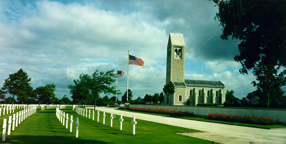 Cimitirul American din Britanny, Franta...4410 soldati americani au fost inmormintati acolo