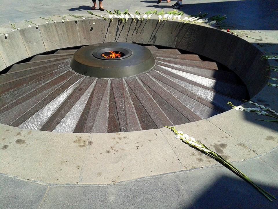 Monumentul genocidului impotriva armenilor, Erevan